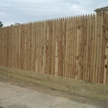 Donvale Retaining wall and Feature Fence
